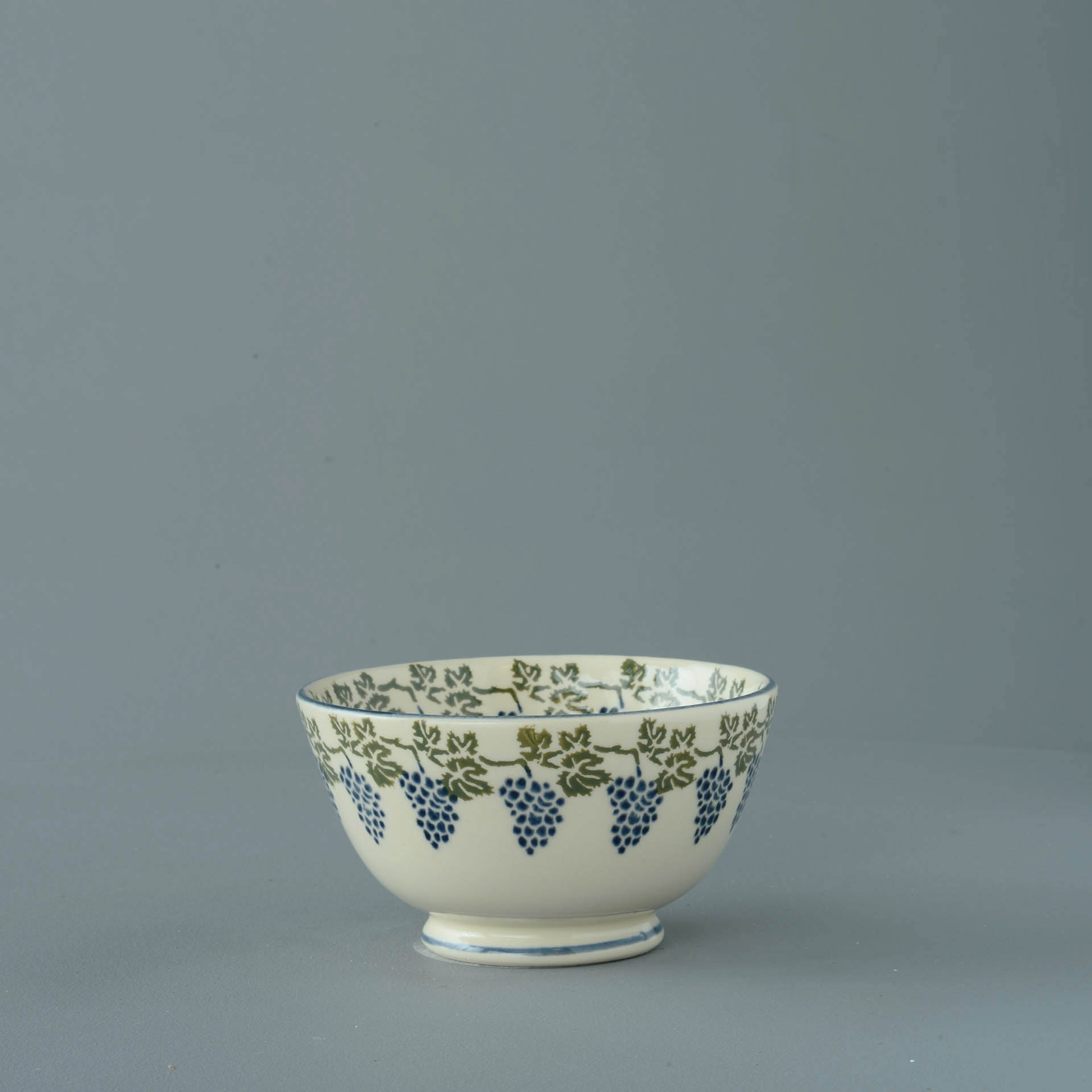 Grapes and Vine Small Bowl 6.5 x 12 cm