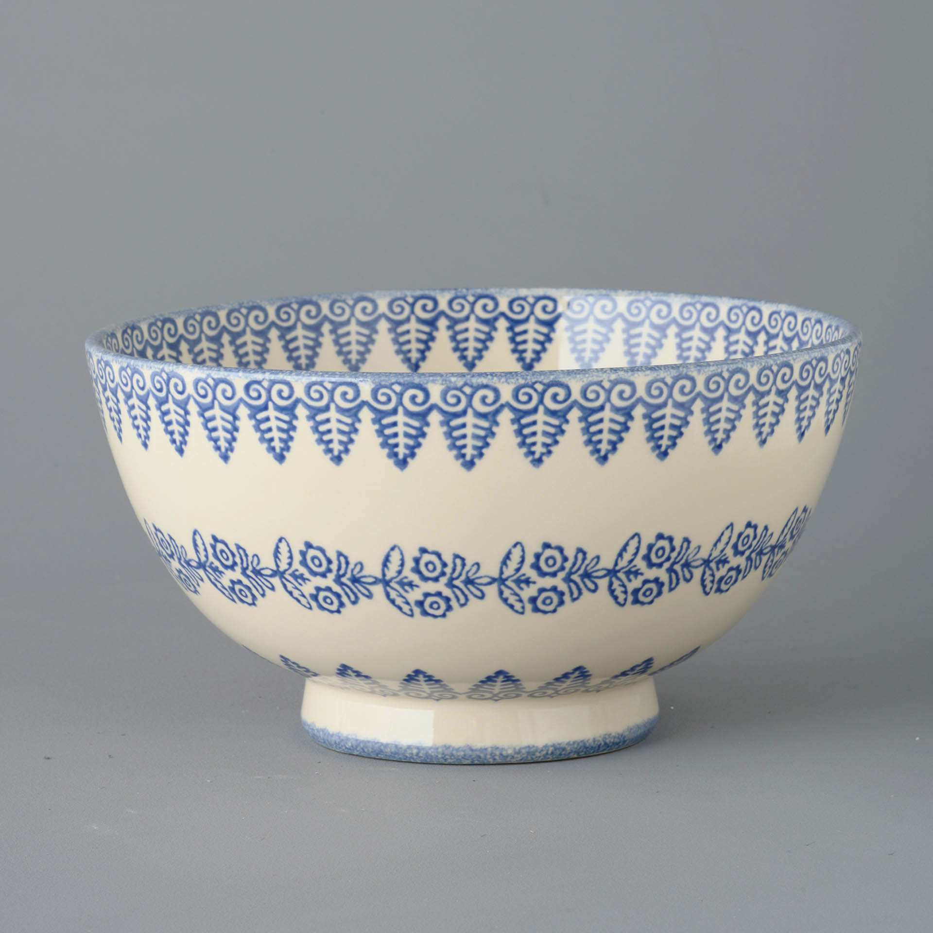 Lacey Blue Salad Bowl 27.5 (w) x 14.5 (h) cm.