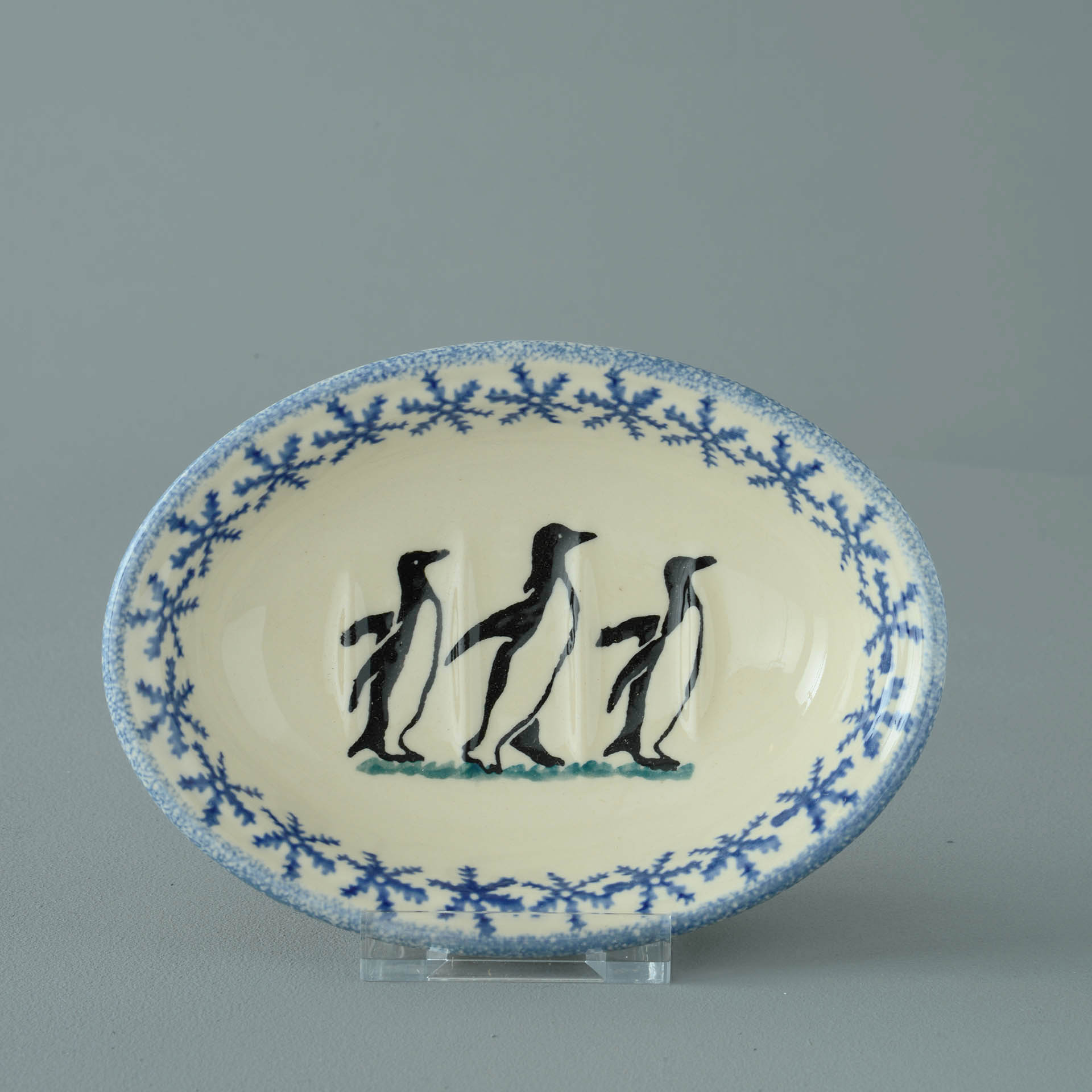 Penguin Soap Dish oval 11 x 15 x 4 cm.