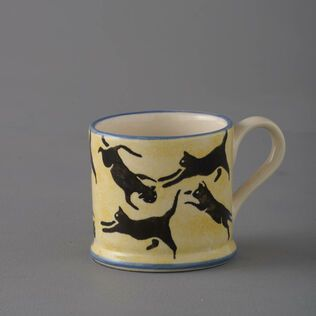 Mug Small Cats Leaping